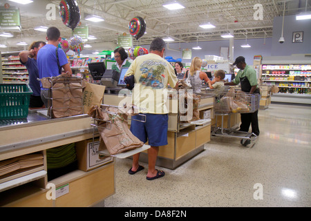 RssFeed in addition Stock Photo Florida Marco Island Publix Grocery Store Supermarket Sale Shopping 57965111 also Lets Go To The Mall likewise Ham Cold Plate Special 92097 also Lunch At Quillys. on oscar mayer luncheon meat