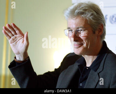 US-American actor Richard Gere is pictured after a press conference for today's UNICEF charity gala in Berlin, Germany, - Stock Photo