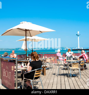 Cafe on the beach at Weymouth with the sealife tower in the background, Dorset, UK. - Stock Photo