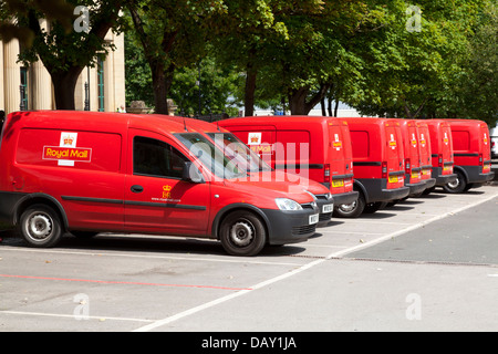 red royal mail delivery vans parked in a sorting office car park stock photo royalty free image. Black Bedroom Furniture Sets. Home Design Ideas