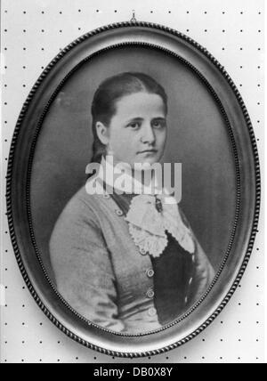Schumacher, Anna 'Aennchen', 22.1.1860 - 26.2.1935, German gastronomer, portrait, 1877, 19th century, clothes, outfit, - Stock Photo