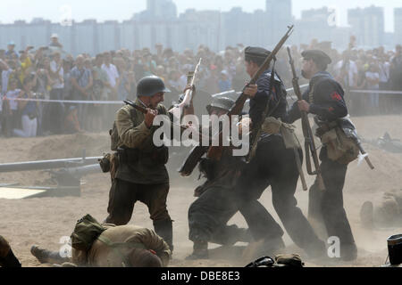 St Petersburg, Russia. 28th July, 2013. Military-historical reconstruction, dedicated to the Day of Navy of Russia. - Stock Photo