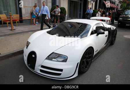 bugatti veyron pur blanc parked outside the mandarin. Black Bedroom Furniture Sets. Home Design Ideas