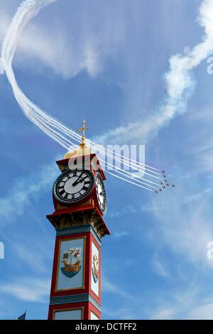 Weymouth, Dorset, UK. 21st Aug, 2013. Sunshine returned to the South West as the Red Arrows performed during Weymouth - Stock Photo