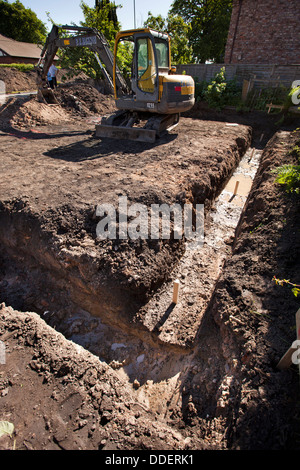 Self building house poured concrete foundations being for How long to build a house after foundation is poured