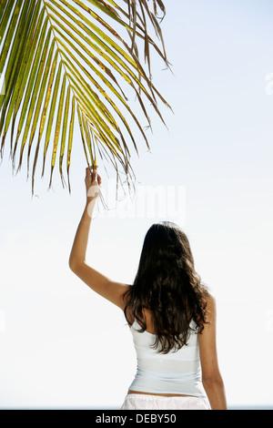 miami beach hispanic single women City of miami beach 1700 convention center drive miami beach, florida 33139 phone: 3056737000.