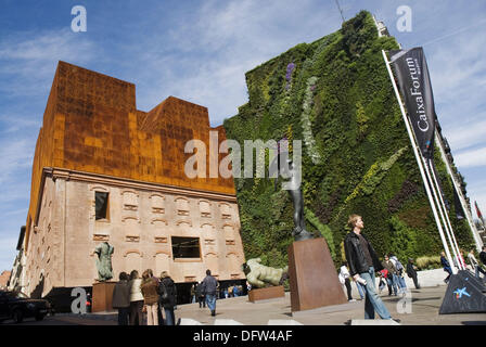 Spain madrid caixaforum cultural center sponsored by la - Garden center madrid ...