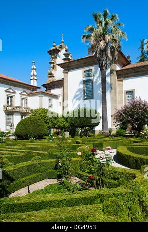Baroque garden gardens of casa de mateus mateus palace for Casa de jardin mobile home park