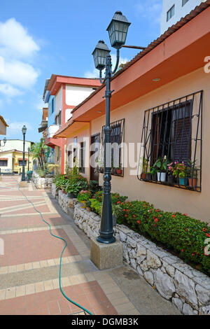 Colourful houses in the Las Penas neighbourhood on Cerro Santa Ana, Guayaquil, Ecuador, South America - Stock Photo