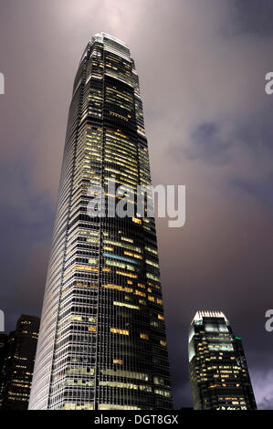 International Finance Centre, IFC skyscraper, Tower One and Tower Two in the evening, Chung Wan, Central District - Stock Photo