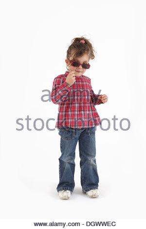 Girl wearing sunglasses - Stockfoto