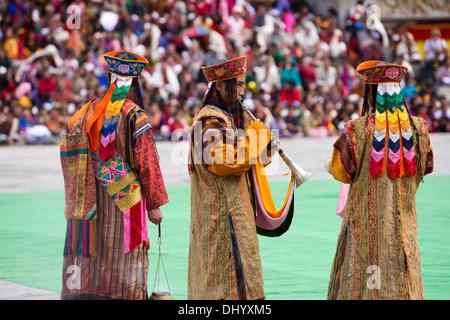 Bhutan, Thimpu Dzong, annual Tsechu, monk musicians in ceremonial dress - Stockfoto