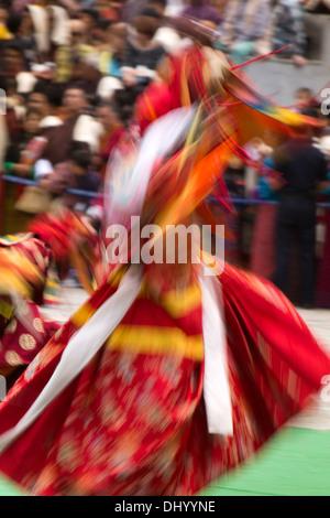Bhutan, Thimpu Dzong, annual Tsechu, Dance of the Three Kinds of Ging Pelage Gingsum - Stockfoto