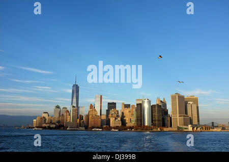 New York, USA. 06th Nov, 2013. View onto Lower Manhattan from south in New York, USA, 06 November 2013. The picture - Stockfoto