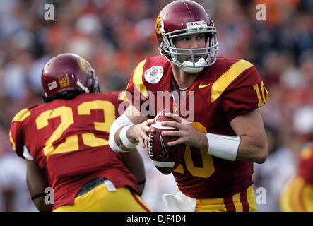 Jan 01, 2008 - Pasadena, California, USA - NCAA Football Rose Bowl: USC's JOHN DAVID BOOTY throws in the 2nd qtr - Stock Photo