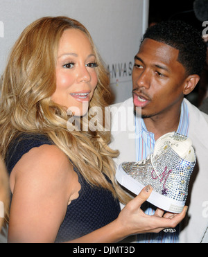 Mariah Carey and husband Nick Cannon Project Canvas Art Gala - Arrivals Featuring: Mariah Carey and husband Nick - Stock Photo