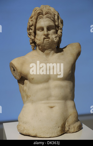 Greek art. Statue. Zeus enthroned. City of Pergamon. 100-80 BC. Marble. Located on the terrace of the castle. - Stockfoto