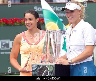 Mar. 20, 2011 - Indian Wells, California, U.S - No. 1 seed Caroline Wozniacki (DEN) (right) and No. 15 seed Marion - Stock Photo