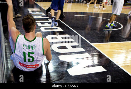 Sept. 11, 2011 - Mar del Plata, Buenos Aires, Argentina - Brazil's TIAGO SPLITTER hits the deck. Argentina have - Stock Photo