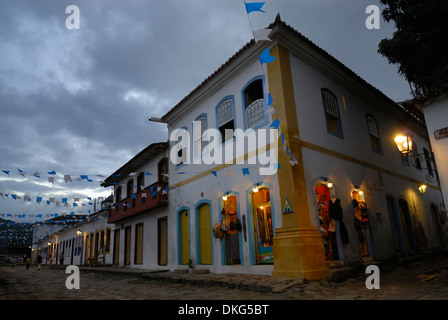 Brazil, Paraty: Nicely decorated and lit historic centre of Party during the Nossa Senhora do Rosario and Sao Benedito - Stock Photo