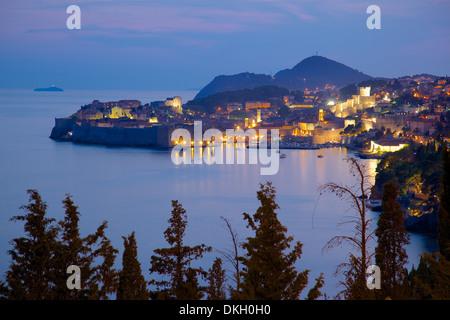 Old Town, UNESCO World Heritage Site, at dusk, Dubrovnik, Dalmatia, Croatia, Europe - Stockfoto