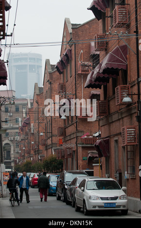 traditional Shanghainese architectural style area - Shikumen - combine of Western and Chinese elements, Shanghai, - Stockfoto