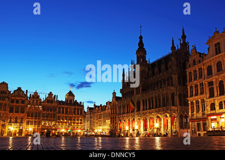 Evening on the Grand Place ('Grote Markt' and 'La Grand-Place') in Brussels, Belgium. - Stock Photo
