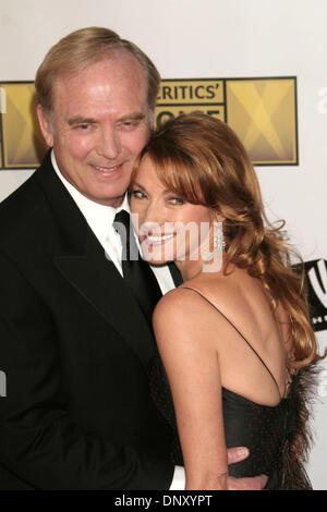 Jan 09, 2006; Los Angeles, CA, USA; Actress JANE SEYMOUR and Actor husband JAMES KEACH at the 11th Annual Critics' - Stockfoto