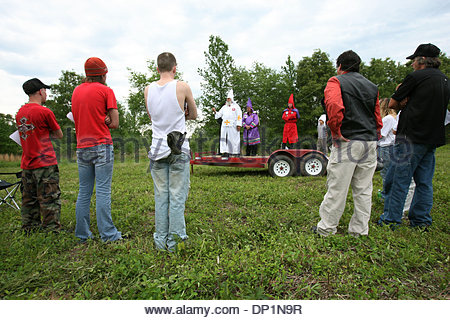 May 06, 2006; Red Bay, AL, USA; National Knights of the Ku Klux Klan members listen to speaker Imperial Kludd Pastor - Stock Photo