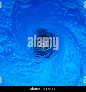 Plug Hole Water with Vortex Effect - Stockfoto