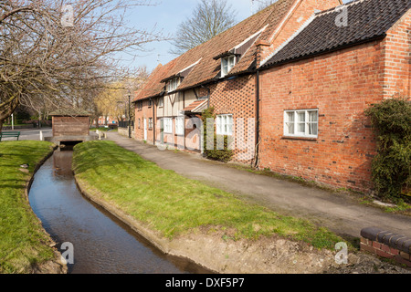 english county cottages and a stream in castleton high peak stockfoto lizenzfreies bild. Black Bedroom Furniture Sets. Home Design Ideas