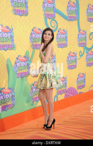 Los Angeles, CA, USA . 29th Mar, 2014. Actress Victoria Justice arrives on the orange carpet of Nickelodeon's 27th - Stock Photo