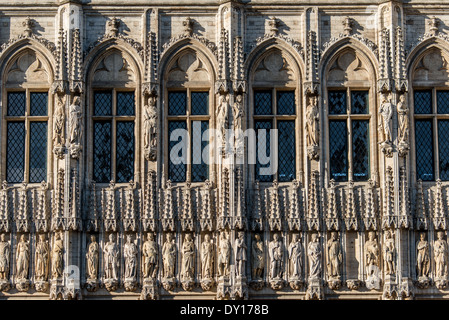 Detail of the ornate statues on the exterior of the Brussels City Hall on Grand Place (La Grand-Place), a UNESCO - Stock Photo