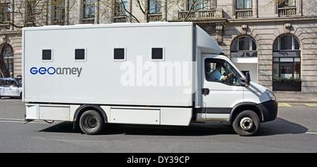 geoamey prison transport van outside cardiff civil justice