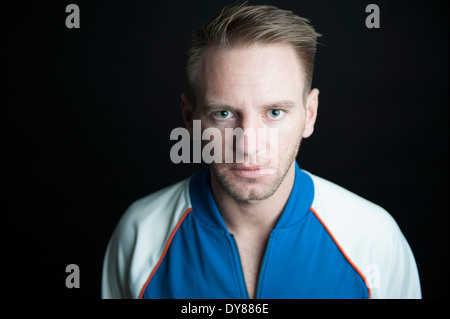 Serious young man, portrait - Stockfoto