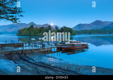 Boats on Derwentwater in the Lake District National Park. - Stock Photo