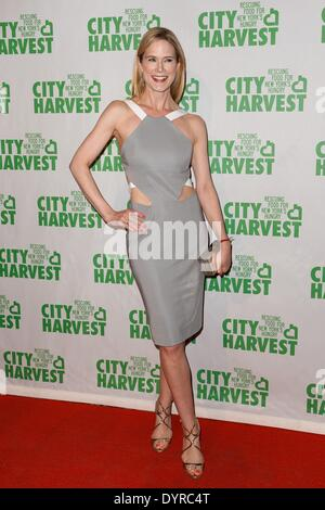 New York, NY, USA. 24th Apr, 2014. Stephanie March at arrivals for City Harvest 20th Annual An Evening of Practical - Stock Photo