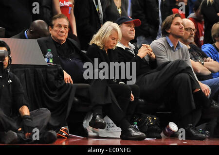 Los Angeles, CA, USA. 18th Jan, 2012. Los Angeles Clippers Owner Donald Sterling during the NBA Basketball game - Stock Photo