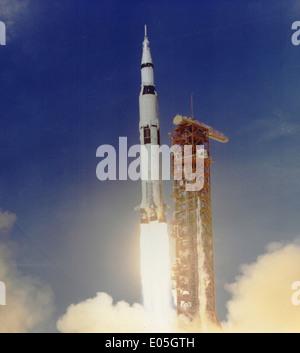 Apollo 11 Launched Via Saturn V Rocket - Stockfoto
