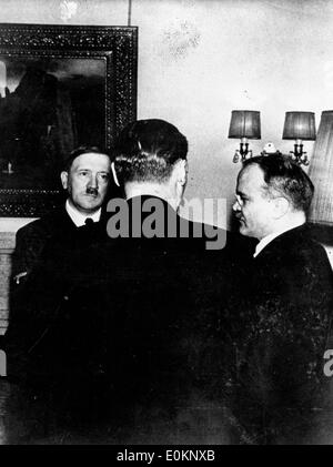 the rise and fall of adolf hitler the dictator of germany during world war two General purpose statement: to inform specific purpose: to inform audience about the rise of nazi germany, key players and decisions of world war two, and the fall of.
