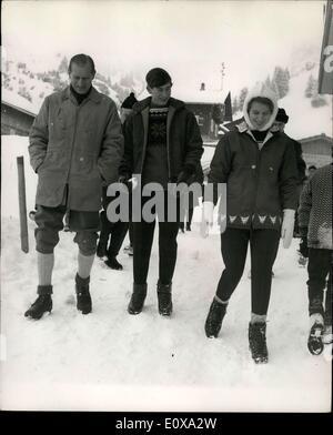 Dec. 29, 1965 - Duke and Children in Liechenstein:The Duke of Edinburgh, Princess Anne and Prince Charles, who are - Stock Photo