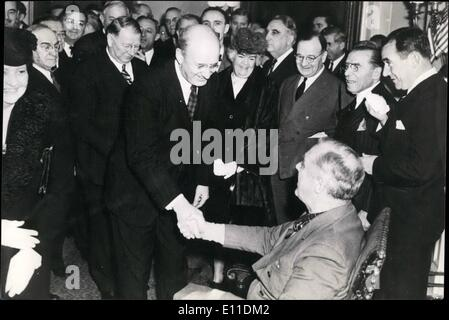 May 05, 1977 - President Franklin D. Roosevelt of the U.S. (seates) shakes hands with Henry Morgenthau, Jr.U.S. - Stock Photo