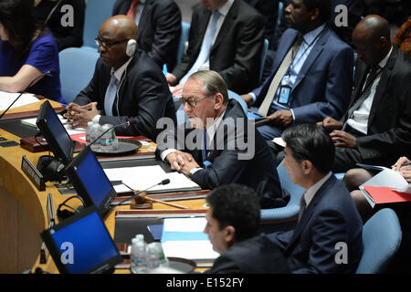 NY, NY, USA. 22nd May, 2014. UN Deputy Secretary-General Jan Eliasson (C) speaks before the Security Council votes - Stock Photo