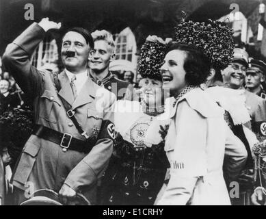 the nazi collaborator leni riefenstahl in the film triumph of the will Leni riefenstahl: a life by jurgen trimborn triumph of the will and olympia she was called leni leni riefenstahl led a protected childhood.