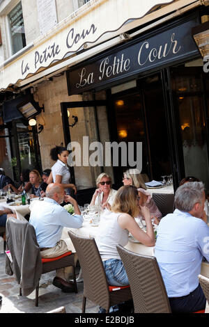france paris restaurant la petite cour 8 rue mabillon stock photo royalty free image. Black Bedroom Furniture Sets. Home Design Ideas