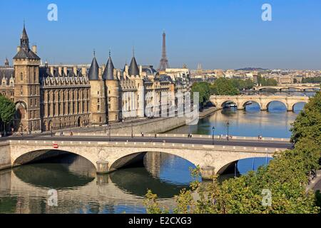 France Paris Seine river banks listed as World Heritage by UNESCO the Conciergerie on the City island the pont au - Stock Photo