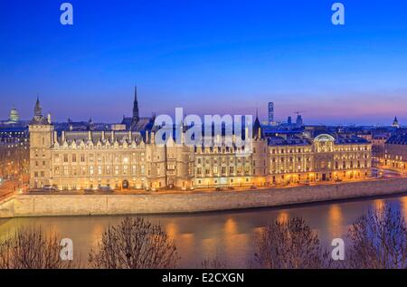 France Paris Seine river banks listed as World Heritage by UNESCO the Conciergerie and the Justice Hall on the City - Stock Photo
