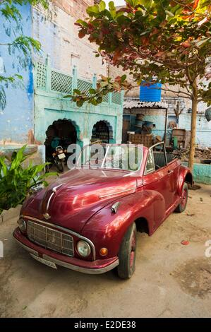 India Rajasthan state Jodhpur the blue city old car in a courtyard - Stock Photo