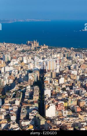 Spain, Balearic islands, Mallorca, Palma de Mallorca, the City and La Seu cathedral (aerial view) - Stock Photo