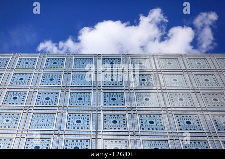 France Paris institut du Monde Arabe (Arab World Institute) by architects Jean Nouvel et Architecture-Studio1 detail - Stock Photo